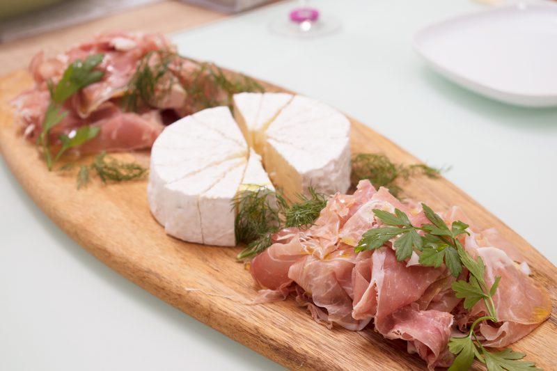 生ハムとカマンベールチーズ