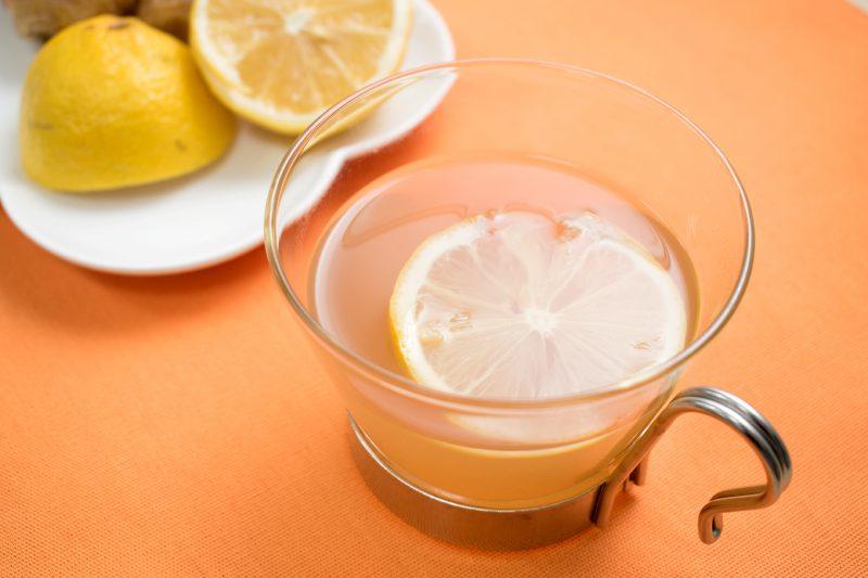 レモン果汁を加えてお湯割りに