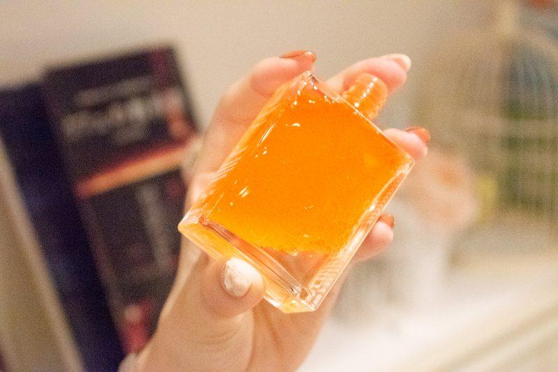最初はオイルと化粧水が混ざりにくいのでしっかりと振る